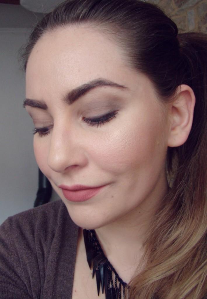 Review Double Dare Kat Von D Lipstick