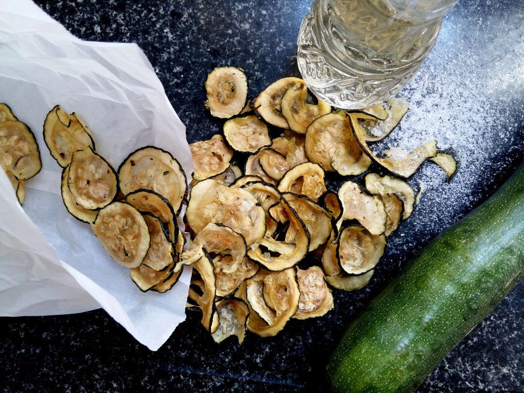 Salt & Vinegar Zucchini Chips dörren Zucchinichips-001
