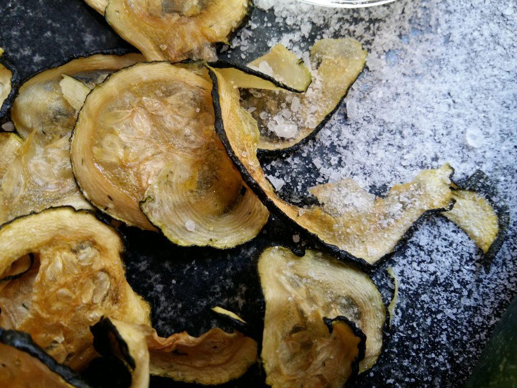 Salt & Vinegar Zucchini Chips dörren Zucchinichips-002