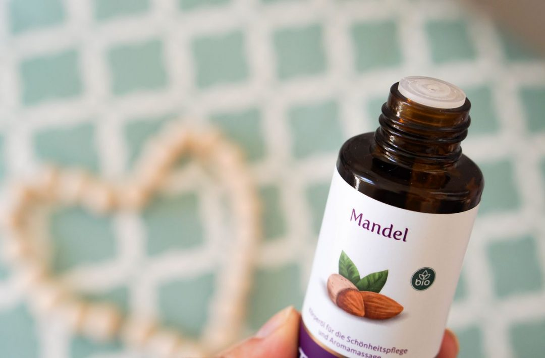 Mandelöl zur Gesichtsmassage