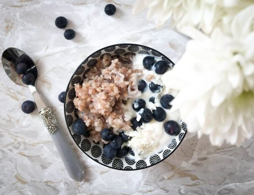 Buchzweizenporridge-Frühstück-Rezept