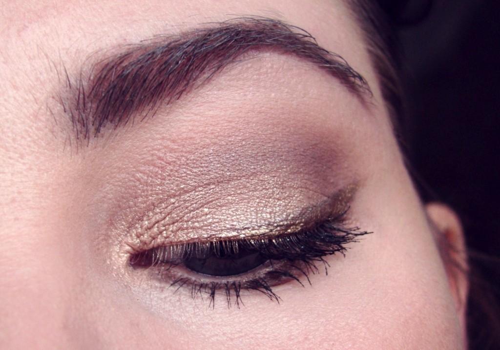 A Nachgeschminkt Februar golden Eyeliner-002