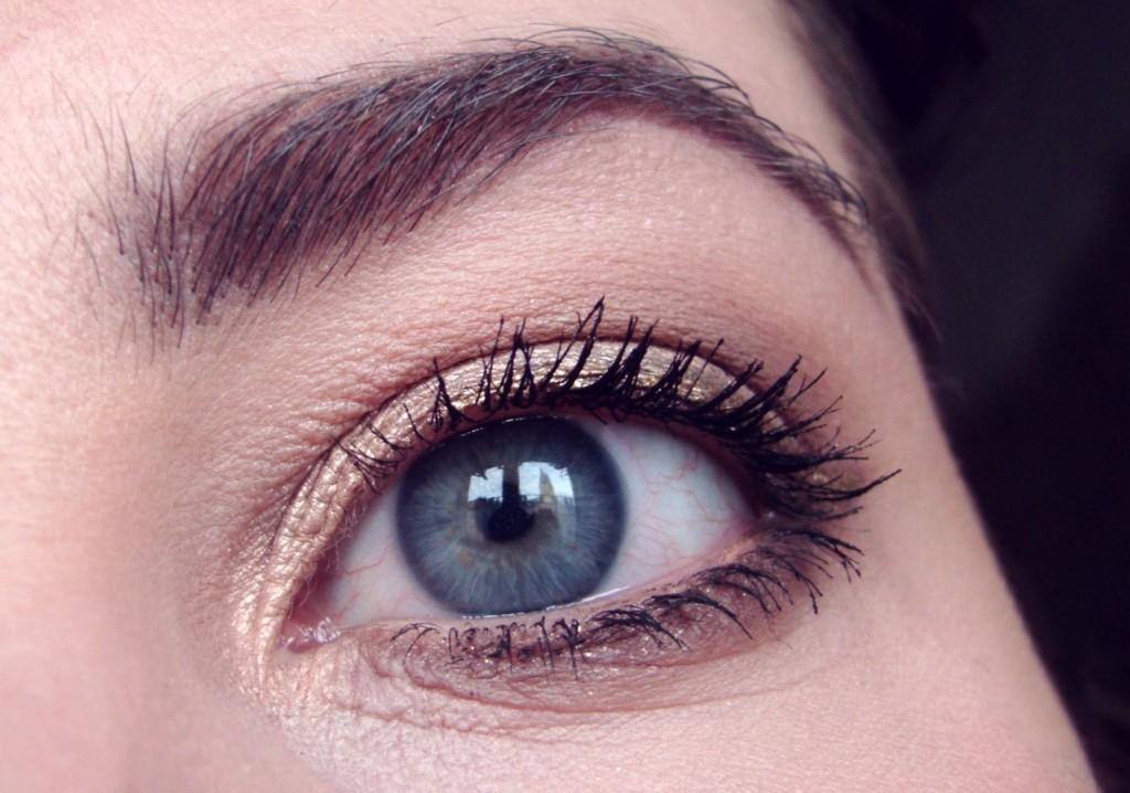 A Nachgeschminkt Februar golden Eyeliner colourpop-001