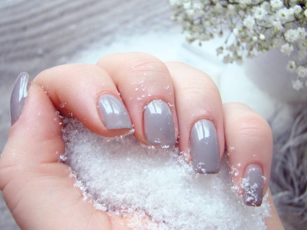 Handpflege im Winter rissige Nagelhaut