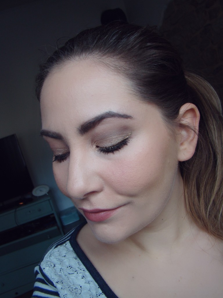 Laura Mercier Candleglow Foundation Tragebild-001
