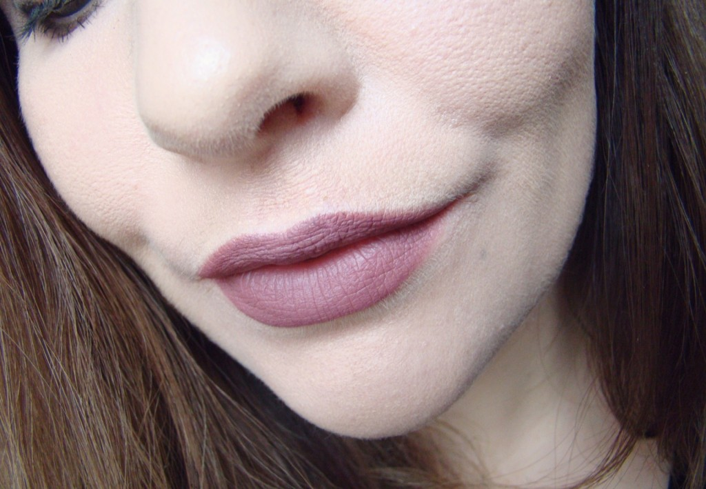 Lipliner essence Soft Berry Review