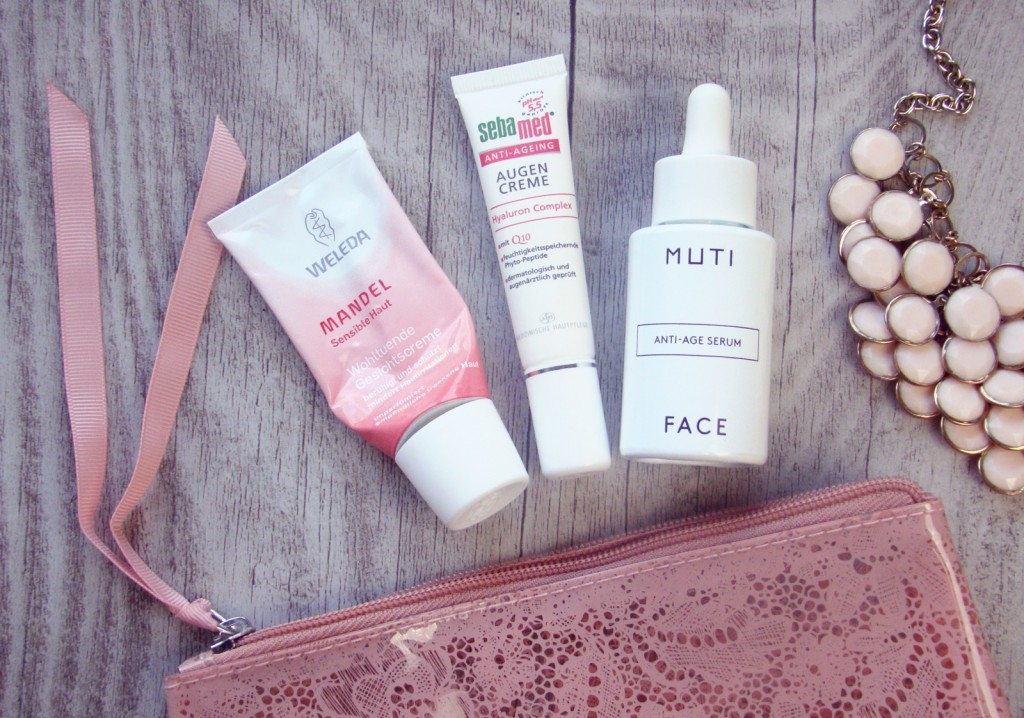 Travel Beauty Glowy Face essentials Muti Weleda Mandel