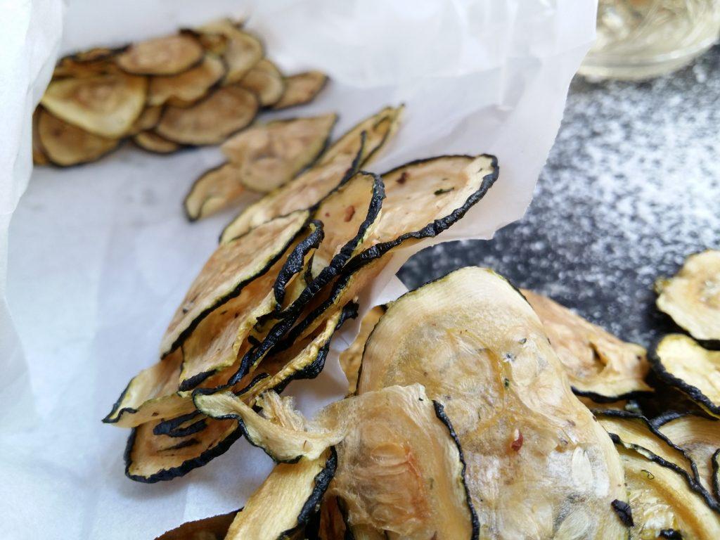 Salt & Vinegar Zucchini Chips dörren Zucchinichips-003