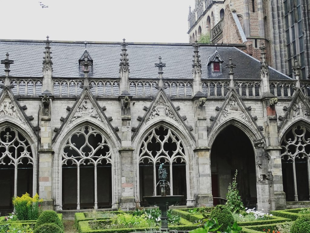 Pandhof Klostergarten Domturms Utrecht
