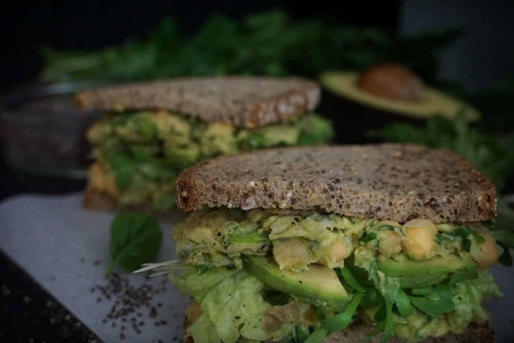 Green Power Avocado Kichererbsen Sandwich