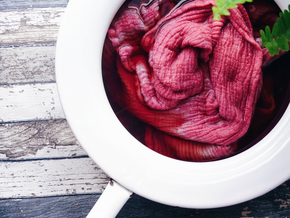 wer sich jetzt fragt wie die gr ne frucht der avocado rosa farbe herbei zaubert aufgepasst. Black Bedroom Furniture Sets. Home Design Ideas
