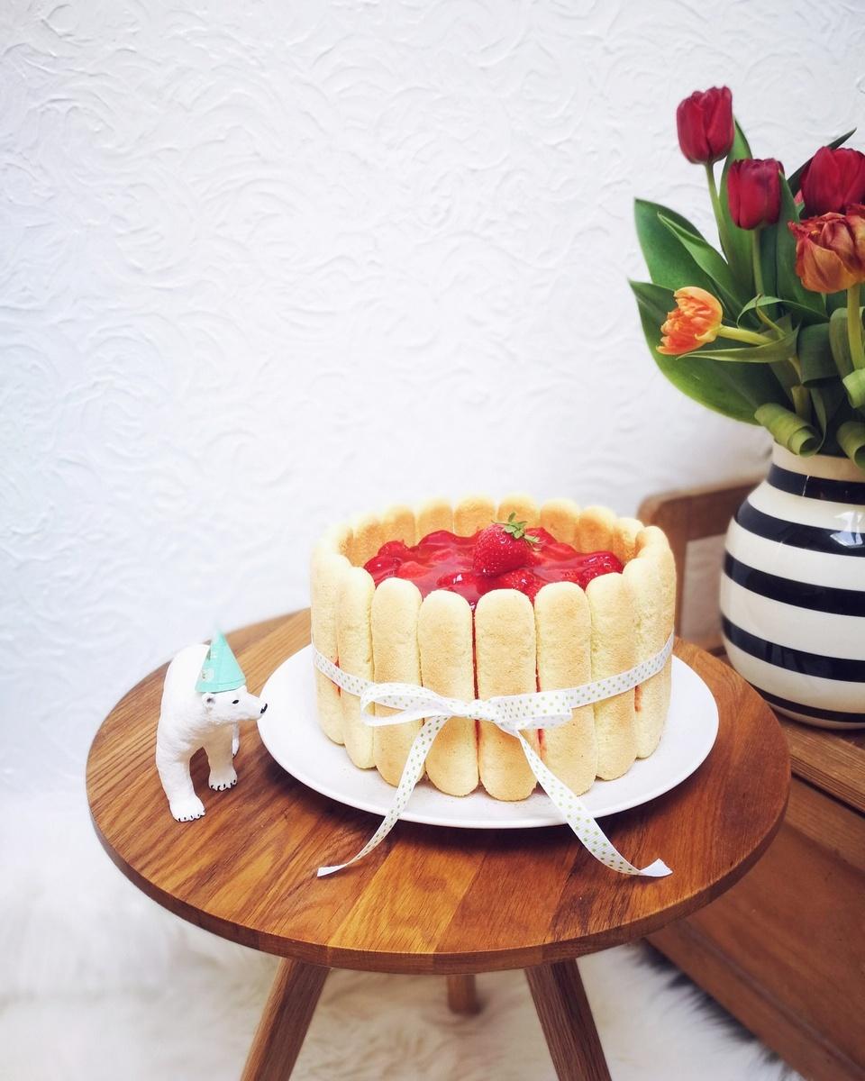 Die Erdbeer Charlotte Geburtstagstorte